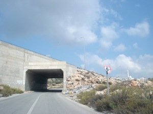 Jewish-only road near Nahaleen above the Palestinian bypass road