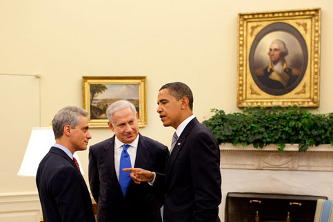 President Barack Obama talks with Israeli Prime Minister Benjamin Netanyahu and White House Chief of Staff Rahm Emanuel in the Oval Office, 18 May 2009. (Pete Souza/White House Photo)